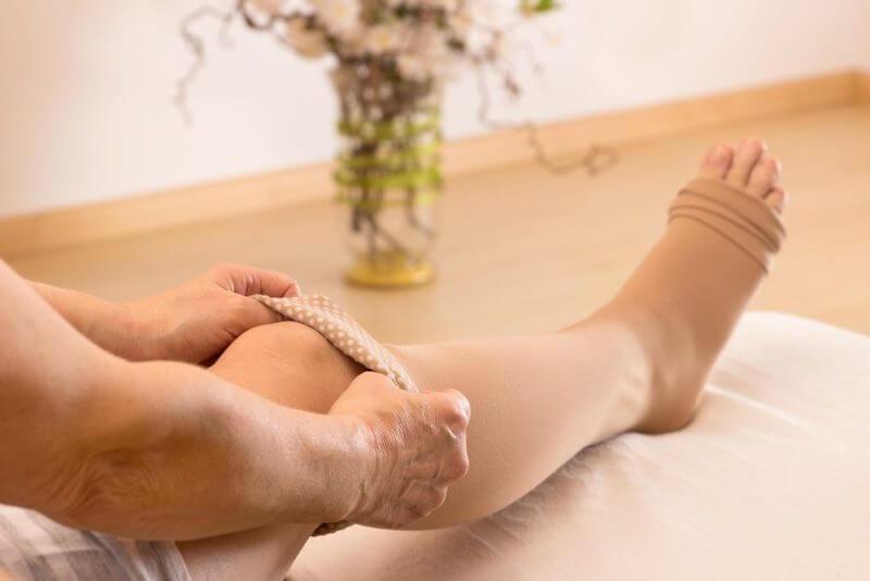 مراقبت از زخم ساق پا