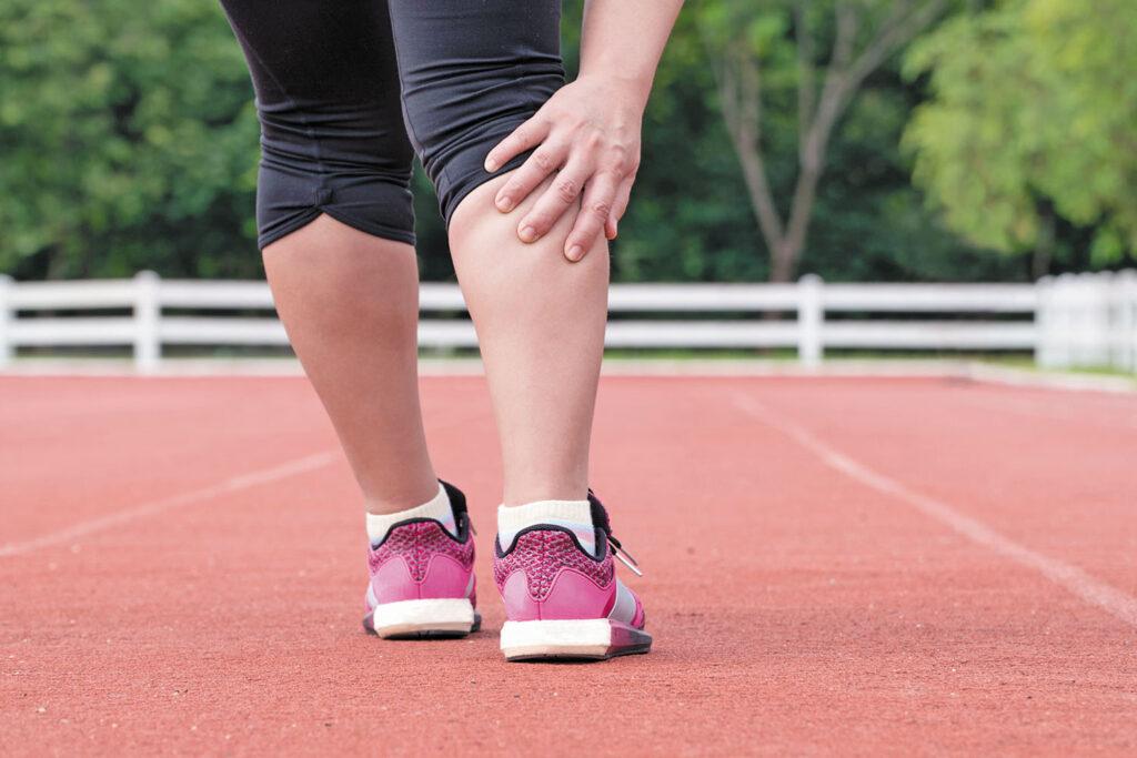 8 علت خستگی پاها از زانو به پایین